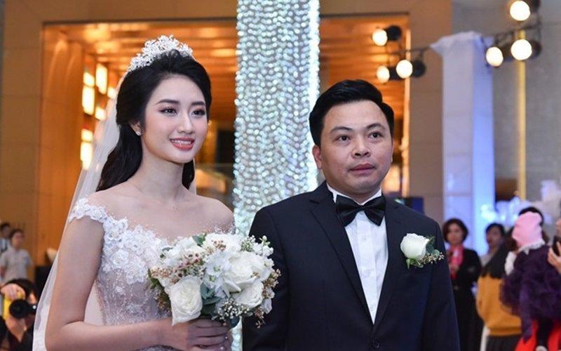 """Vừa đăng quang hoa hậu bản sắc Việt Nam được vài tháng, Trần Thu Ngân khiến mọi người """"ngã ngửa"""" khi thông báo theo chồng bỏ cuộc chơi."""