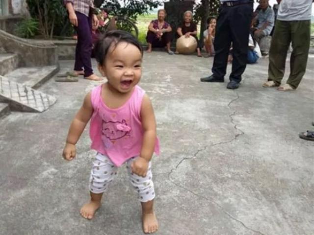 Tin tức 24h: Cuộc sống mới của bé gái bị bỏ rơi kèm lá thư Mẹ phải đi lấy chồng