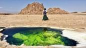 Chuyện thật như đùa: Hồ bơi tự nhiên đẹp không tưởng nằm giữa sa mạc tử thần