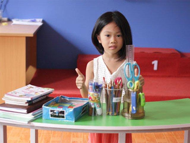 6 đồ dùng cha mẹ nên chuẩn bị cho con vào lớp 1 để bé tự tin với bạn bè