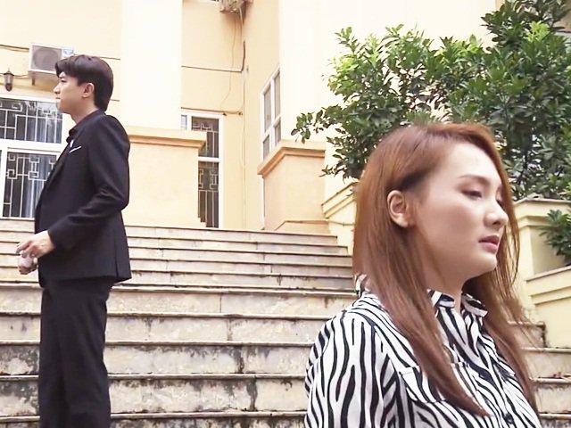 Về Nhà Đi Con lộ ảnh vợ chồng Thư ra tòa, Vũ muốn nói điều gì với cô?
