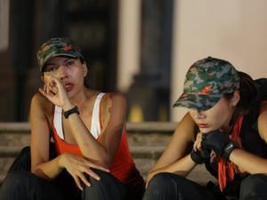 """Siêu mẫu Minh Triệu """"ức"""" đến phát khóc vì Kỳ Duyên"""