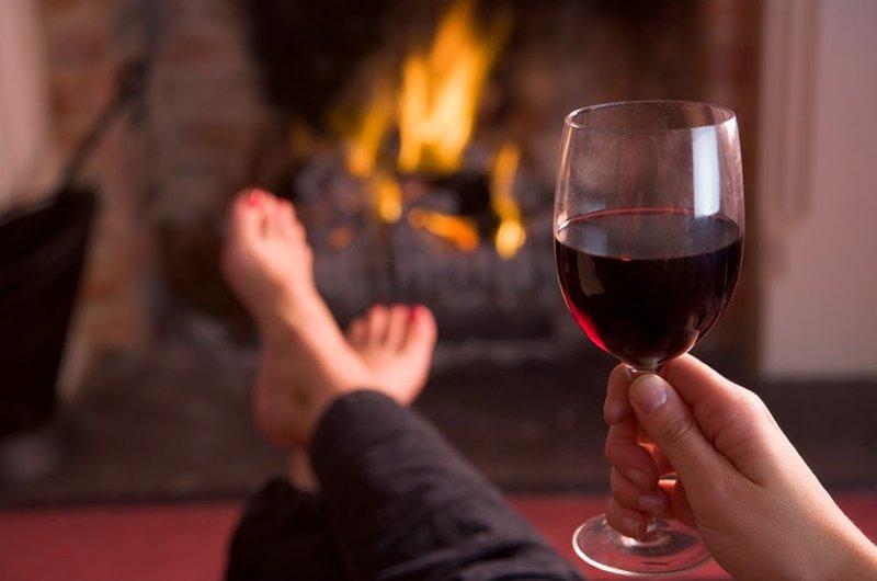 Rượu vang đỏ có thể cải thiện trí nhớ và khả năng học tập của bộ não con người. Uống một lượng rượu vang đỏ thích hợp vào ban đêm có thể giúp thư giãn hoàn toàn bộ não và cung cấp đủ năng lượng cho ngày hôm sau.