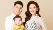 """Con trai """"1 tỷ"""" của Lâm Khánh Chi tròn 1 tuổi, đẹp trai kháu khỉnh """"lu mờ"""" cả bố mẹ"""