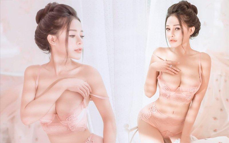 """Mới đây, hot girl tai tiếng nhất nhì mạng xã hội Việt, Ngân 98 vừa mới đăng tải bộ ảnh bikini mới nhất vừa thực hiện. Cô nàng chia sẻ: """"Hãy đối xử với em như một nàng công chúa""""."""