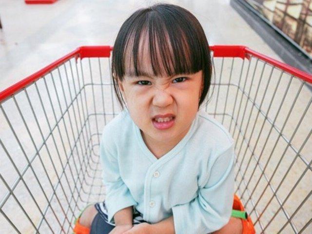 Cha mẹ mừng thầm vì con có 3 tính cách tưởng hơn người, càng lớn mới thấy có vấn đề