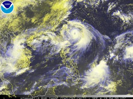 Chuyên gia lý giải sự xuất hiện của tam giác bão - áp thấp nhiệt đới hiếm gặp