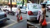 """4 ca đẻ rơi """"nhanh như chớp"""": Đang đi con rớt xuống đường, mẹ cúi xuống làm điều khó tin"""