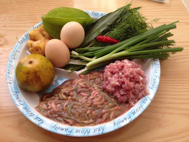 Những món ăn vặt ngon nức tiếng nhất định phải thử khi Hà Nội vào thu
