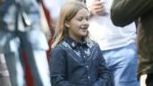 """Dắt con gái đi làm, Beckham dù bảnh bao nhưng Harper vẫn """"chiếm sóng"""" của bố"""