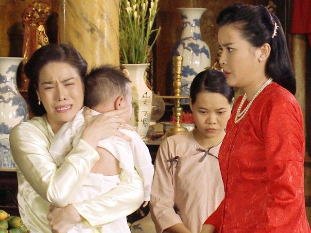 Nhật Kim Anh bị chị dâu trời hành bằng mặt nhưng không bằng lòng ngay cả ở ngoài đời?