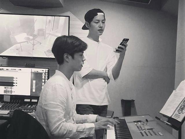 Ngôi sao 24/7: Song Joong Ki gặp Park Bo Gum dù đàn em dính tin cặp với vợ cũ