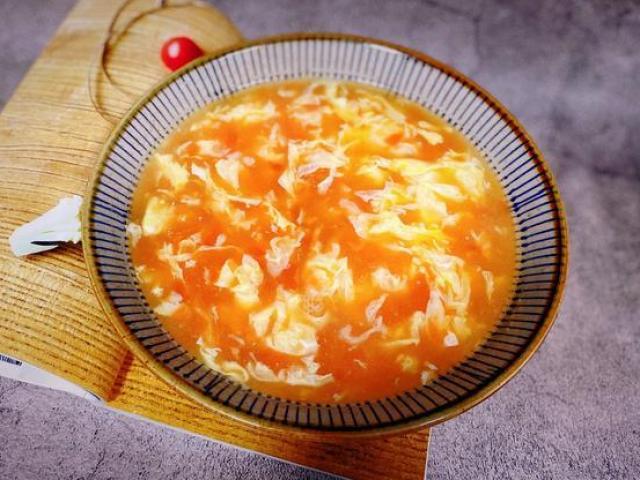 Cứ nấu canh trứng cà chua là tanh, cần thêm mẹo này, canh thơm cả nhà chan lấy chan để
