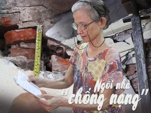"""Người phụ nữ sống trong ngôi nhà """"chống nạng"""" ở phố cổ: """"Đang ngủ bị lăn xuống vì nhà nghiêng"""""""