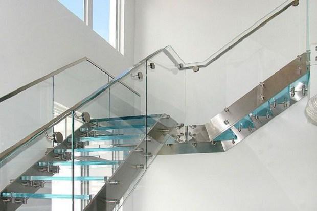 25+ Mẫu cầu thang kính đẹp có tay vịn, giá rẻ nhất 2020 - 8