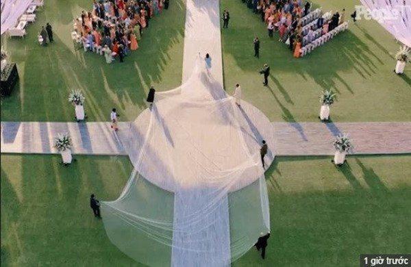 Hoa hậu đẹp nhất thế giới cưới chồng Mỹ: Hôn lễ trong cung điện, váy cưới 6 người khiêng