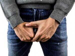 Mụn rộp sinh dục nam có chữa được không? Triệu chứng và cách điều trị