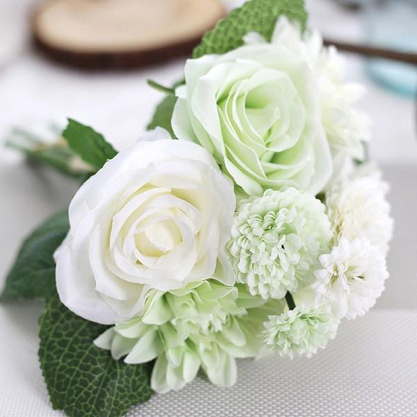 Ý nghĩa của hoa hồng trắng - loài hoa trong sáng, thanh khiết - 1
