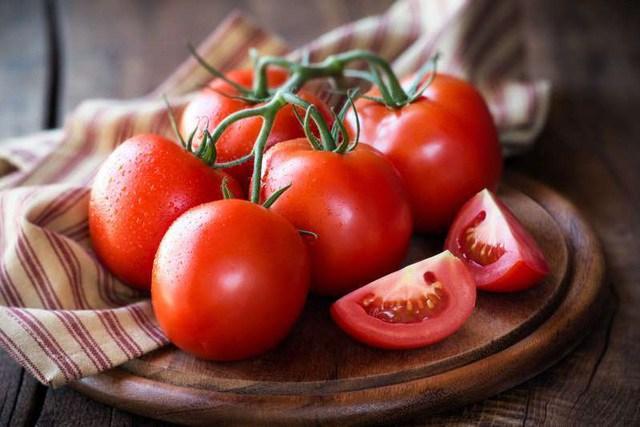 Nước ép cà chua có tác dụng gì? Uống nước ép cà chua lúc nào là tốt nhất? - 1