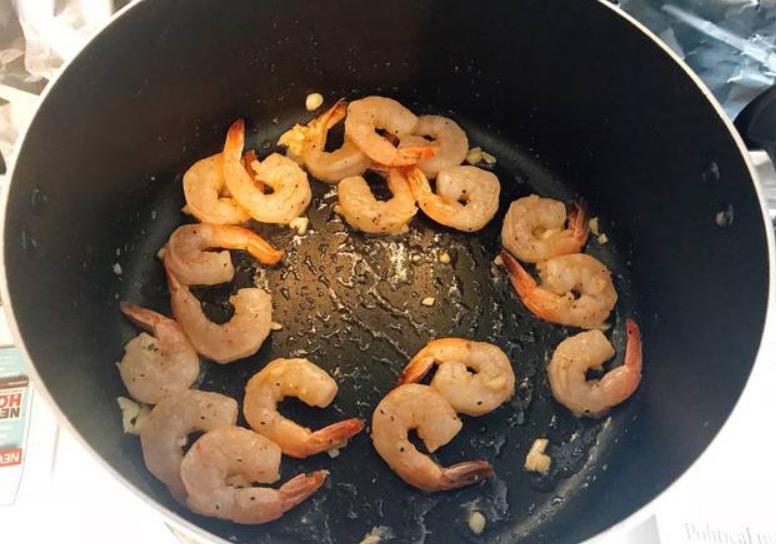 Cách làm tôm rang me chua ngọt đậm đà đưa cơm liên tục - 5