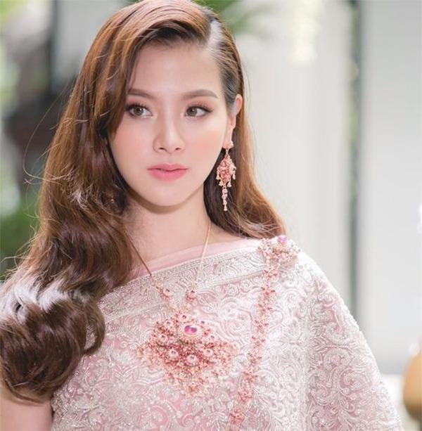 Kiểu tóc đẹp 2021 cho nữ được yêu thích và thịnh hành nhất hiện nay - 10