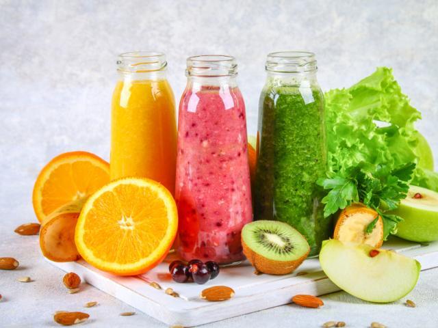 Nước ép trái cây có tốt không? Nước ép trái cây giúp giảm cân như thế nào?