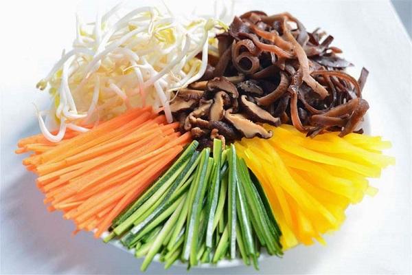 Cách làm cơm trộn Hàn Quốc đơn giản mà vẫn ngon như ngoài tiệm - 4