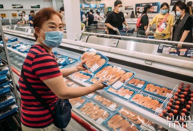 COVID-19, ngày 15 tháng 8: Có 3 bệnh nhân ở Hà Nội tình trạng nặng hơn, tổn thương phổi cao tới 60-70% -3