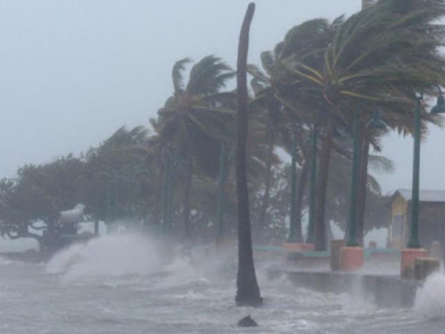 Bão số 4 lao thần tốc vào đất liền, miền Bắc hứng mưa tầm tã nguy cơ ngập lụt