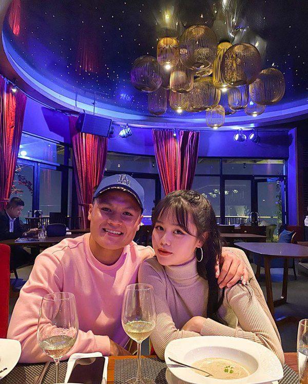 Quang Hải đột ngột xóa sạch ảnh bạn gái, Huỳnh Anh phản ứng gay gắt 1 từ: Bạc