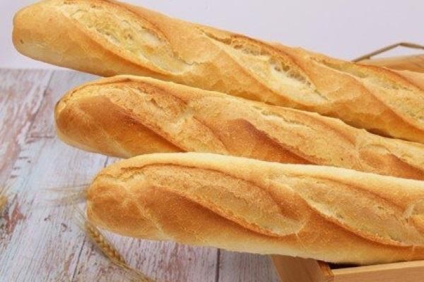 2 cách làm bánh mì bơ tỏi giòn vàng thơm phức - 1
