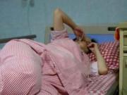 """4 điều khiến mẹ """"ngượng chín mặt"""" trong phòng sinh, về nhà không dám kể với chồng"""