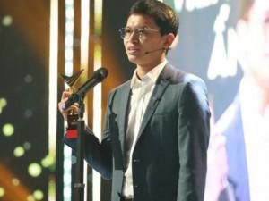 MC mặn nhất đài truyền hình run rẩy nhận giải VTV Awards