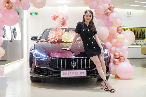 Thích đàn ông giàu đứng trên tiền, Hương Giang được doanh nhân Matt Liu tặng ngay xe 8 tỷ