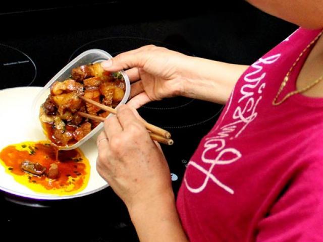 Sợ lãng phí, thường xuyên ăn thức ăn thừa đã khiến người phụ nữ mắc ung thư đại trực tràng