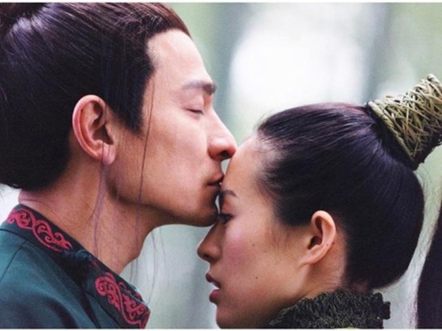 Ngôi sao 24/7: Vì sao Chương Tử Di bỏ cơm sau khi quay cảnh hôn Lưu Đức Hoa?