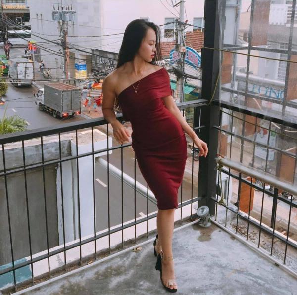 Mặc đồ ôm sát đi chạy bộ, hot girl body chữ S mắc lỗi trang phục lộ hết vòng ba - 7