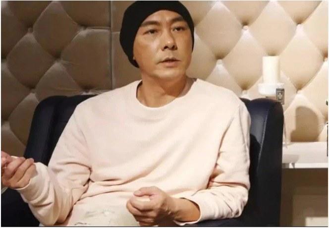 Ngôi sao 24/7: Park Yong Ha qua đời 11 năm, bạn thân So Ji Sub ngồi lặng lẽ viếng mộ - 10