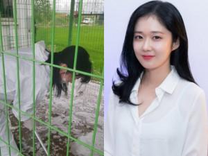 Bắt gặp người đẹp không tuổi Jang Nara đi dọn vệ sinh giữa mùa dịch