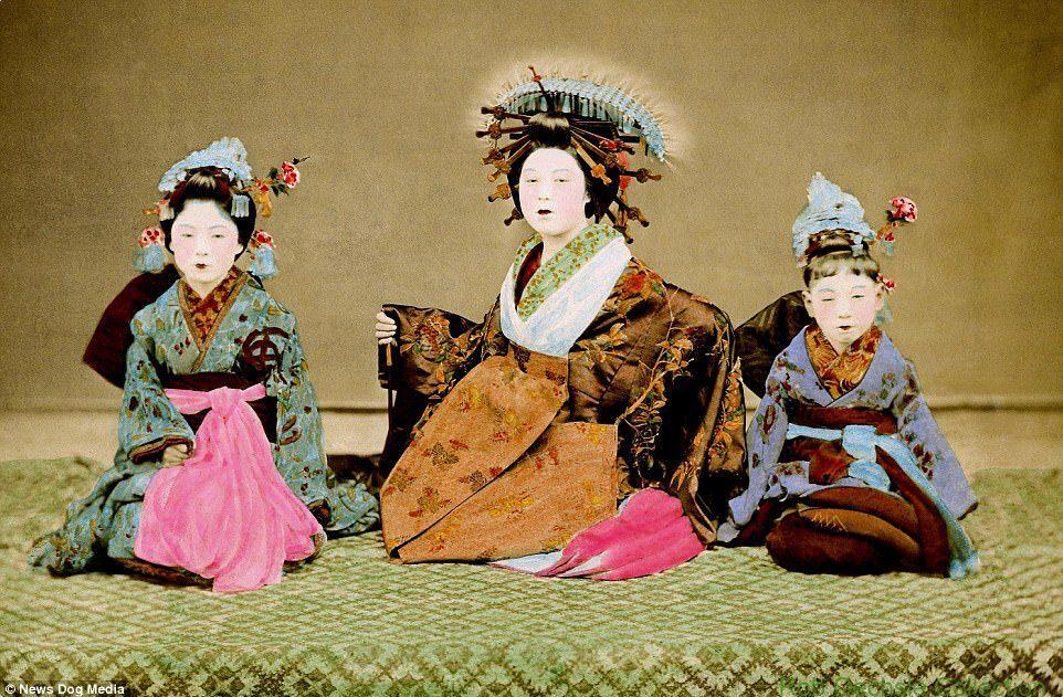 Kỹ nữ được trưng bày trong lồng ở Nhật 100 năm trước và câu chuyện làm đẹp để thoát thân