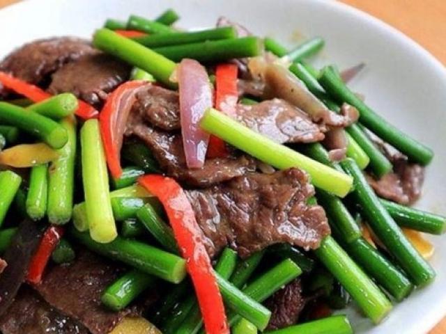 Xào thịt bò toàn bị dai khô, đầu bếp nhắc nhở do làm thiếu bước này!