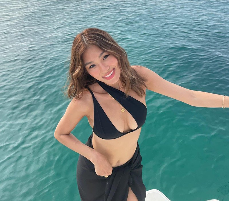 Thảo Nhi được biết tới nhiều hơn sau khi xuất hiện trên Instagram của hội con nhà giàu Việt. Cô sở hữu vẻ đẹp sang chảnh đưng chuẩn con nhà giàu.
