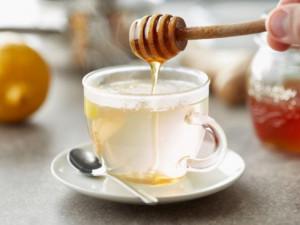 Thời điểm uống nước mật ong tốt nhất nhưng cấm kị pha với nước này kẻo phá hết chất