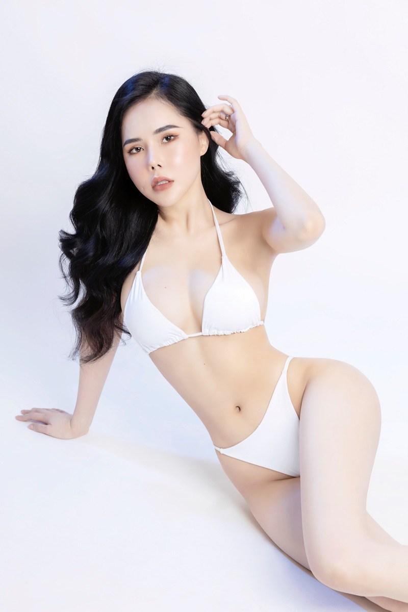 Anna Lê là nữ người mẫu đến từ quê hương miền trung Quảng Trị và hiện đang sinh sống và làm việc tại TP HCM.