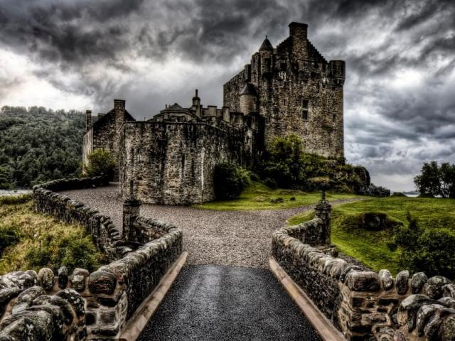 Chiêm ngưỡng vẻ đẹp lâu đài trường tồn qua vài thế kỷ của Scotland