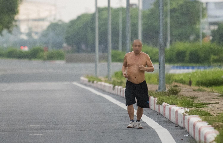 Hình ảnh khó tin ở Hà Nội trong buổi sáng thành phố có 19 ca dương tính với SARS-CoV-2 - 7