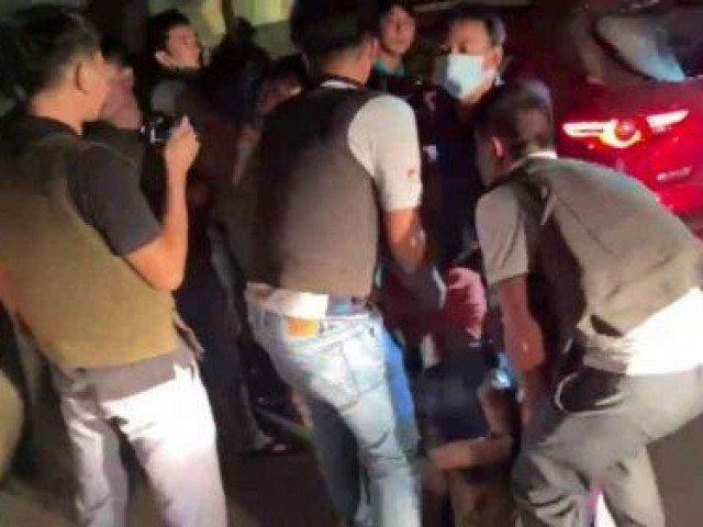 Cận cảnh màn vây bắt nhóm đối tượng buôn ma túy thủ hàng nóng