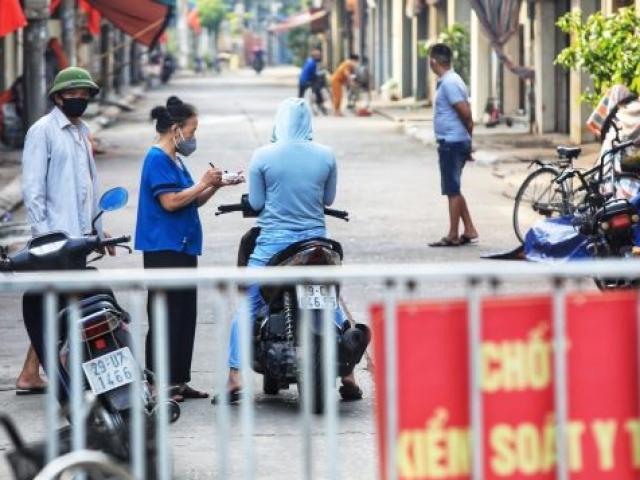 Trưa 2/8, Hà Nội thêm 52 trường hợp dương tính, gồm người bán trứng, nhân viên khu cách ly