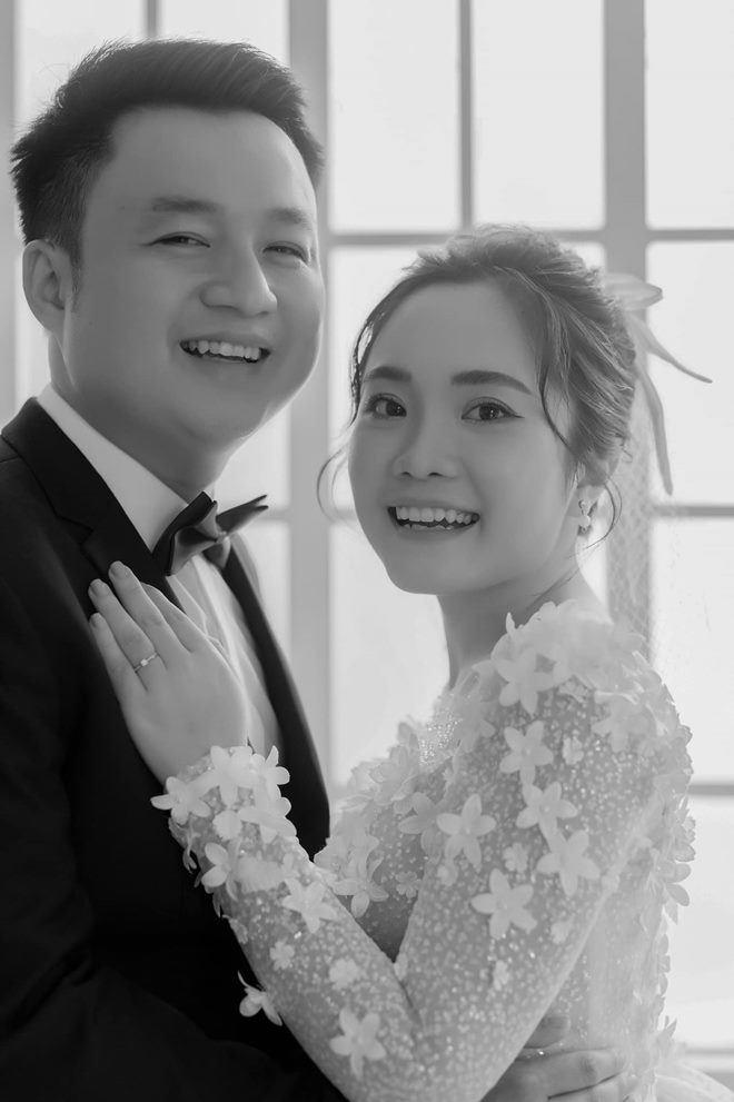 17 tuổi nhắn tin nhầm, 10 năm sau 9X Sài Gòn cưới được chồng như mơ