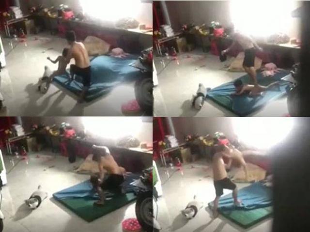 Phẫn nộ người đàn ông đấm đá dã man bé trai trong tình trạng bé không mặc quần áo